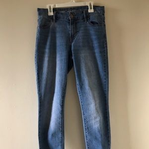 Old Navy Mid-Rise Super Skinny Jeans